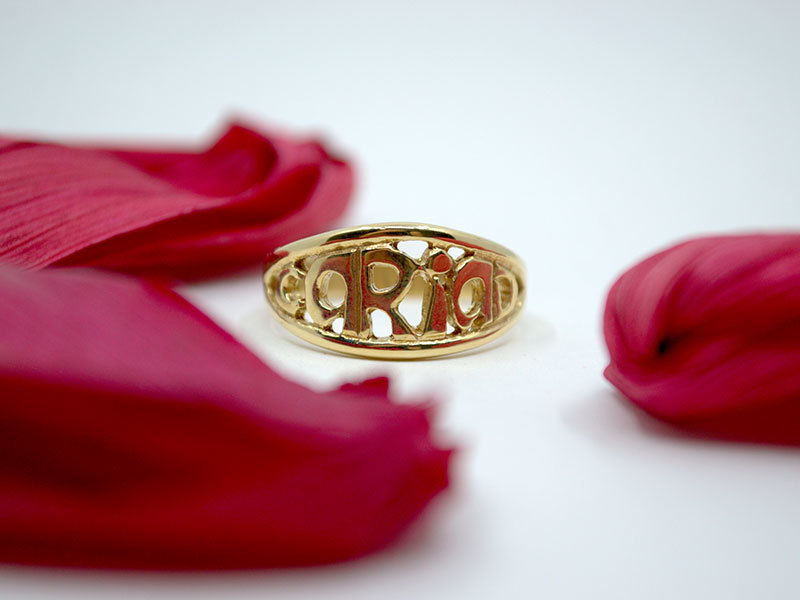 A picture of '9ct Gold Cariad Ring''