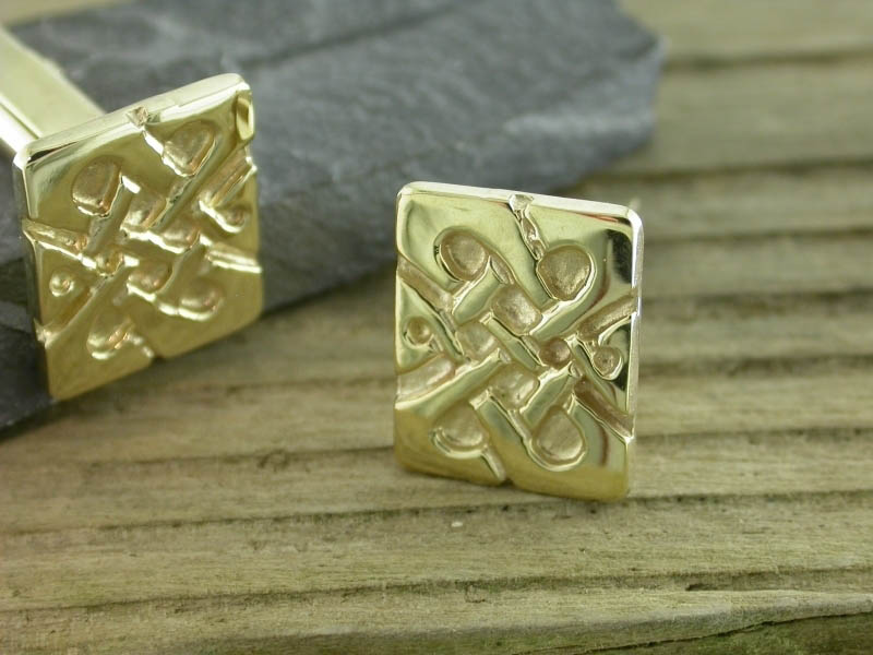 A picture of '9ct Gold Llywelyn Cufflinks''