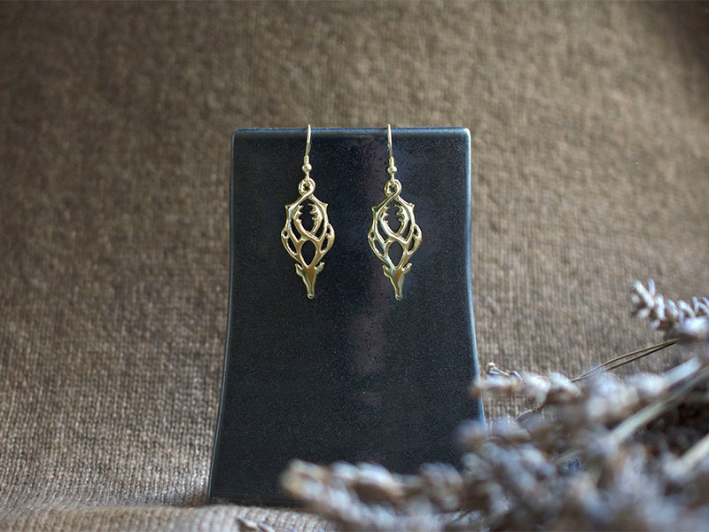 A picture of '9ct Gold Rhedynfre Stag Earrings''