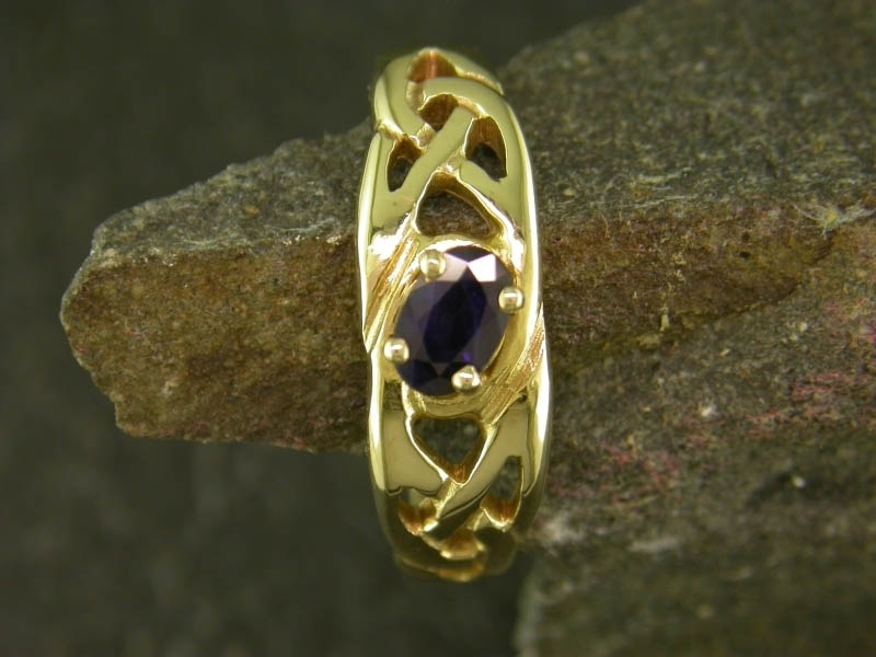 18ct Gold Llanwenog Ring