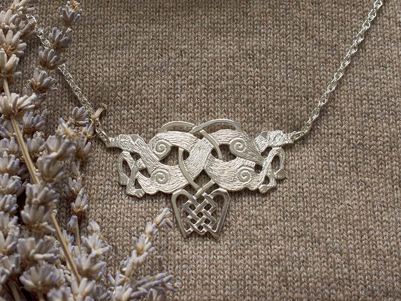 A picture of 'Silver Annwn Hounds Necklet''