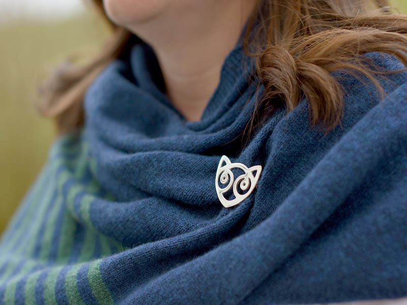A picture of 'Silver Snowdon Cat Brooch''