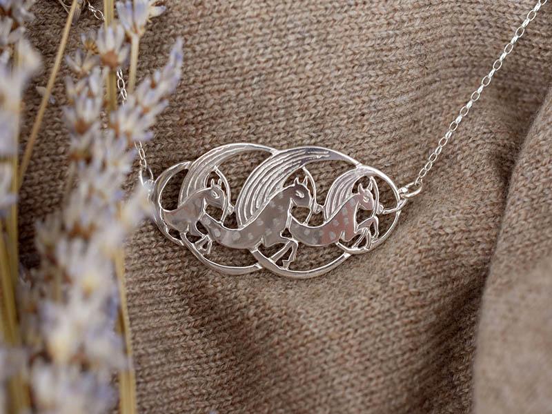 Silver Manannan Horses Necklet