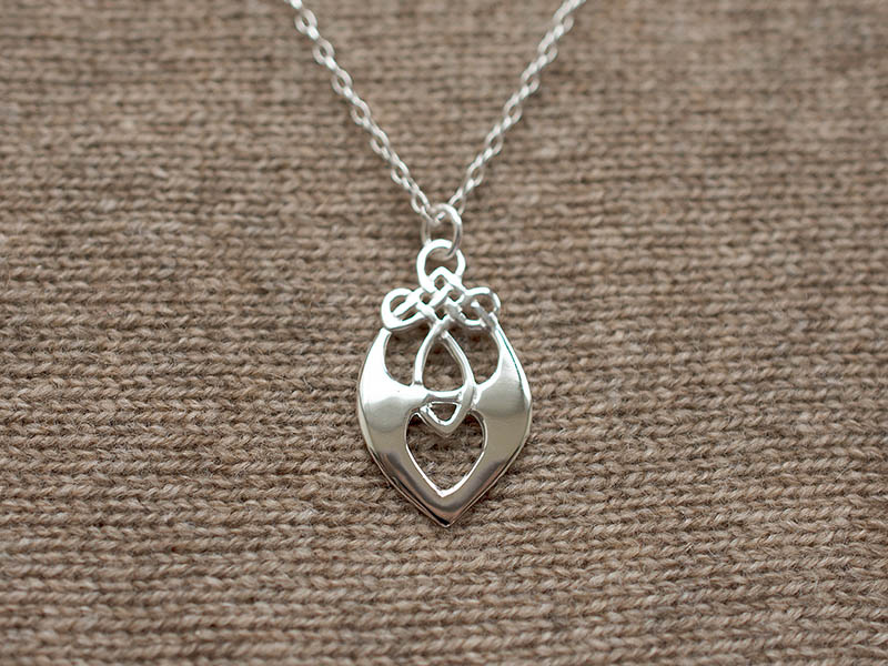 A picture of 'Silver Santiana Pendant''