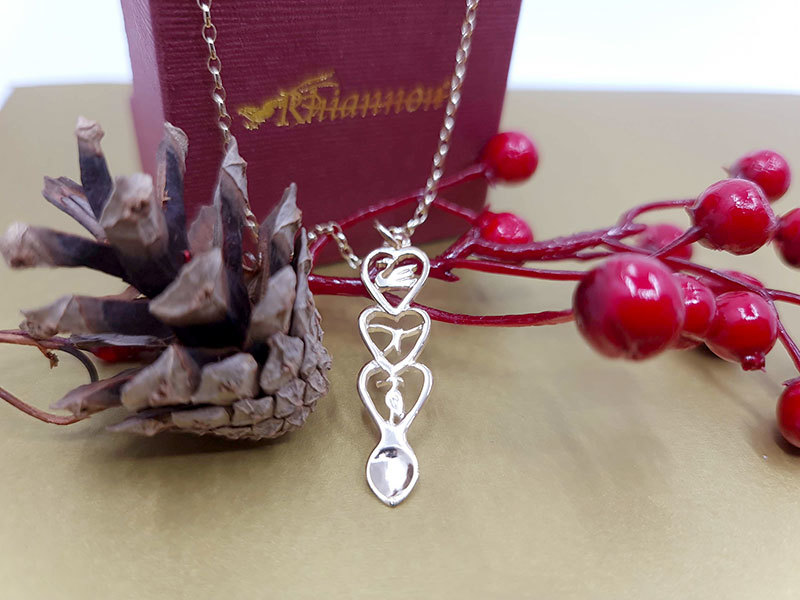 A picture of 'Silver Red Kite Love-spoon Pendant''