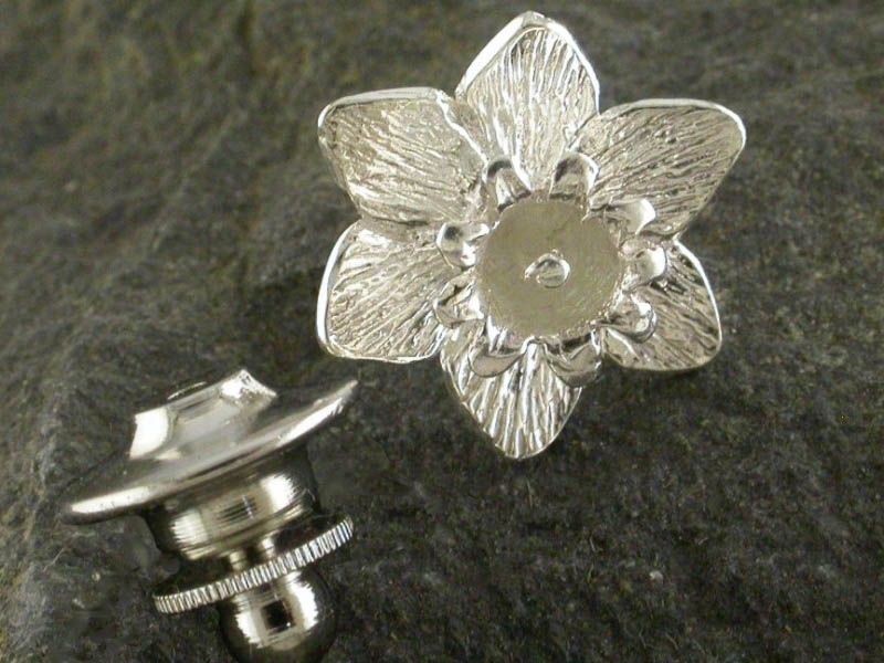 Silver Large Daffodil Pin