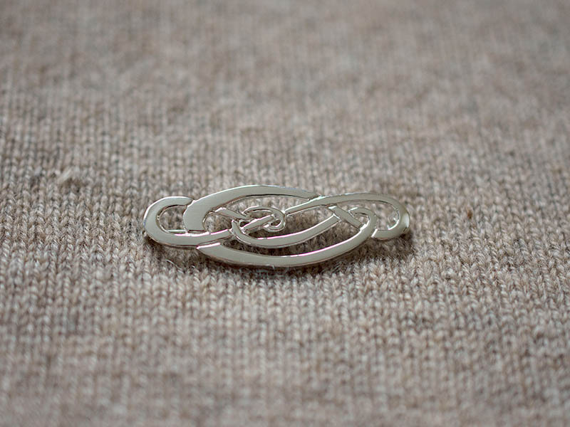 A picture of 'Silver Love Knot Brooch''