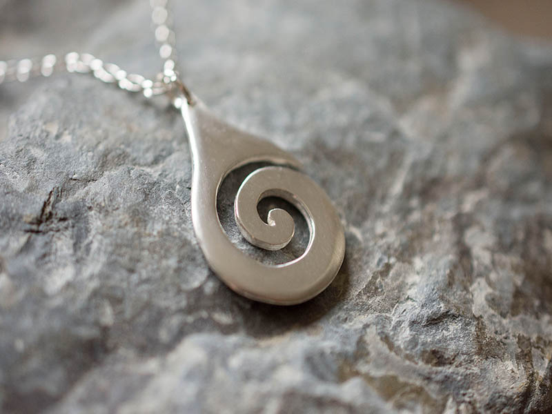 A picture of 'Silver Breakers Pendant''