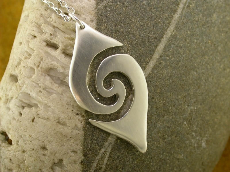 A picture of 'Silver Large Breakers Pendant''