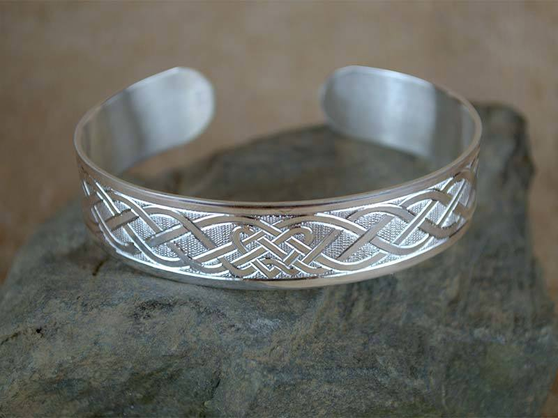 A picture of 'Silver Dyfrdwy Bangle''