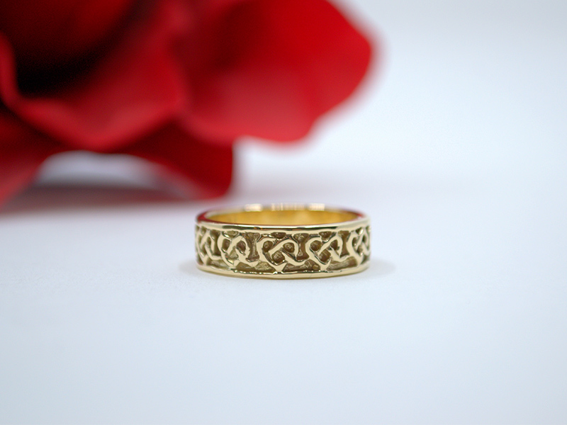 A picture of '18ct Rhiannon Welsh Gold Alaw Ring''