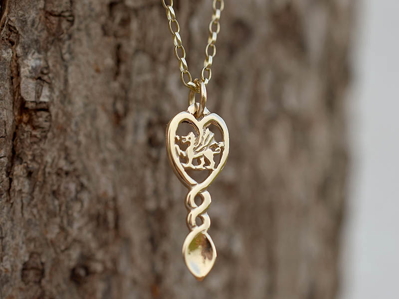 A picture of '18ct Rhiannon Welsh Gold Dragon Love-spoon Pendant''