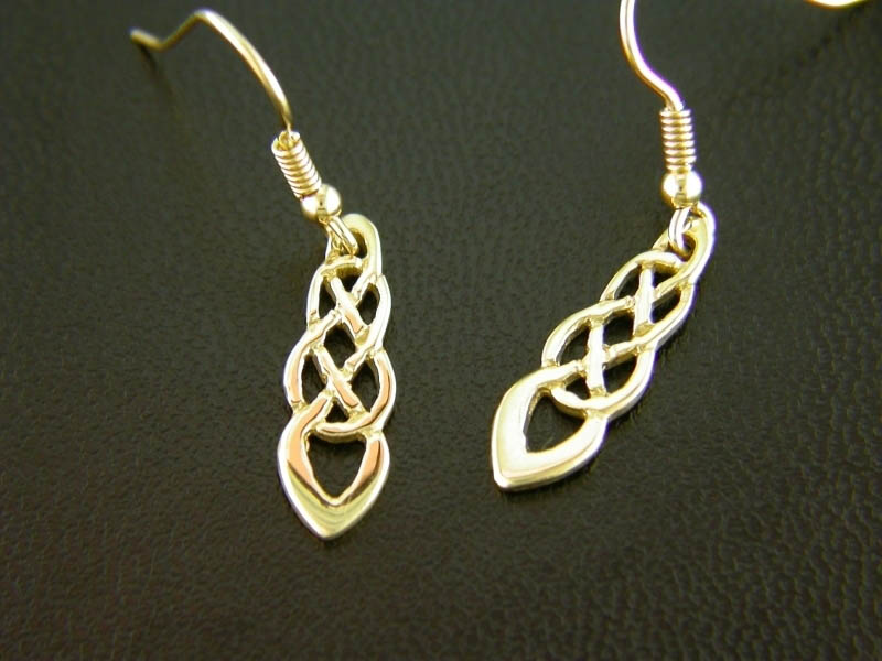 A picture of '9ct Rhiannon Welsh Gold Trefilan Earrings''