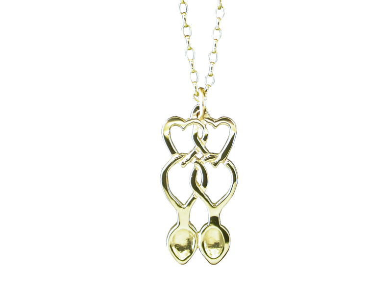 A picture of '9ct Rhiannon Welsh Gold Annwyl Love-spoon Pendant''